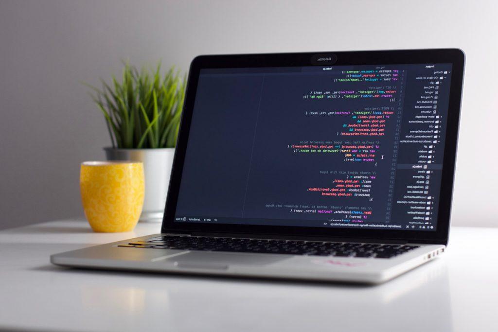 system_admin_laptop